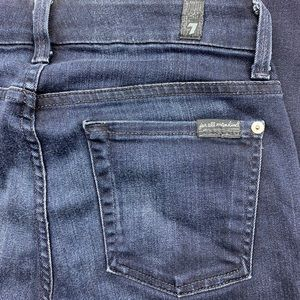 7 For All Mankind Modern Straight Jean Size 25